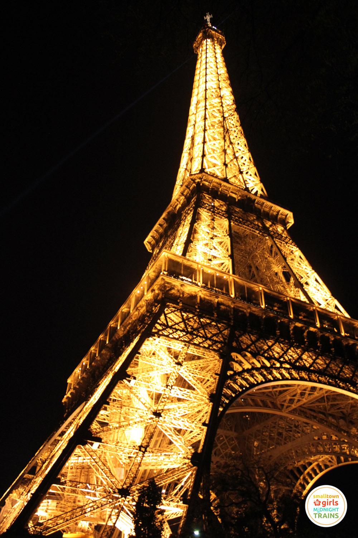 nighttime_paris_02
