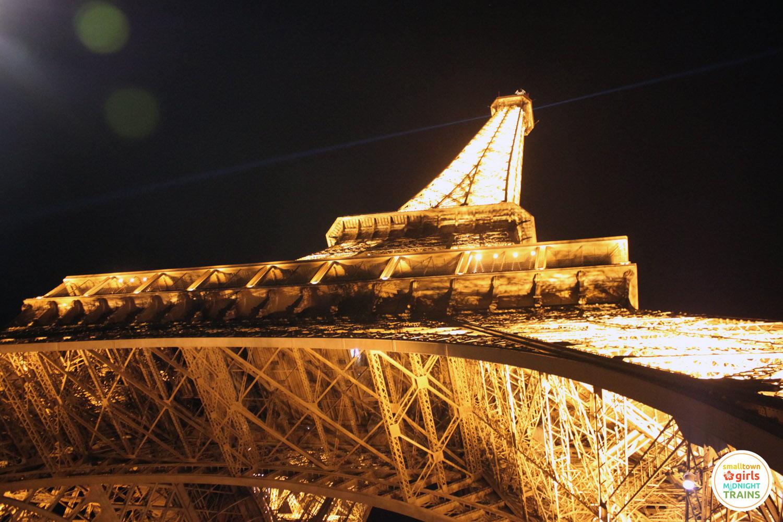 nighttime_paris_03