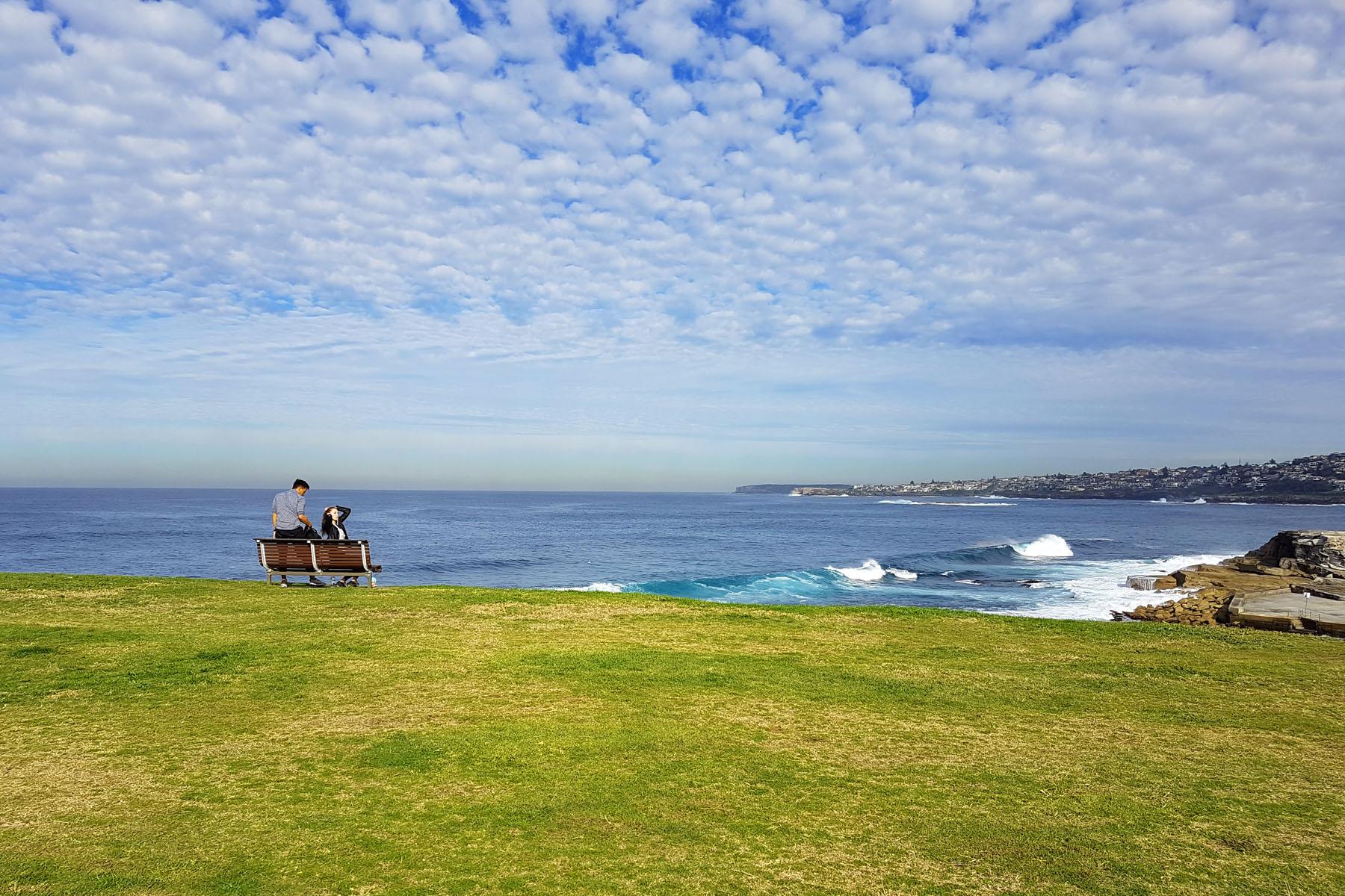 SGMT Australia Sydney_Bondi to Coogee Coastal Walk_17 Clifftop Bench Couple Goals