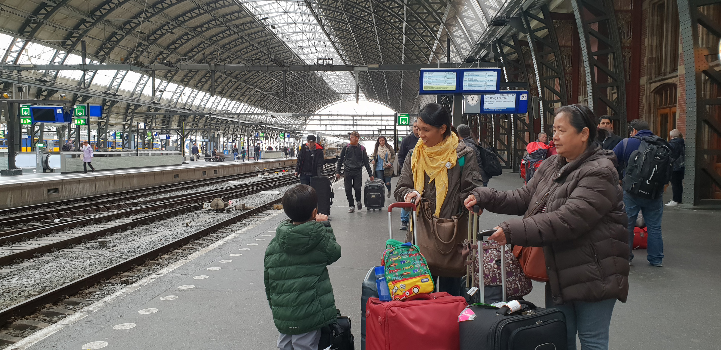 SGMT | Train to Leiden | Amsterdam Centraal